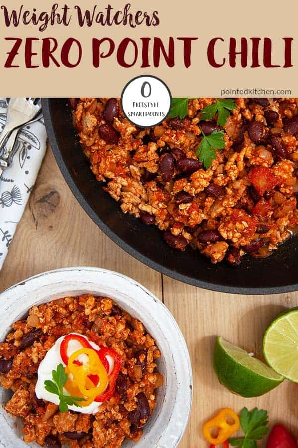 This delicious Weight Watchers Zero Point Chili recipe is so simple & easy to make. If you are following the WW Freestyle plan this is a Weight Watchers friendly meal that you will make again and again. A tasty Weight Watchers dinner recipe that is also suitable for freezing - what's not to like!! #zeropointweightwatchers #weightwatchersrecipeswithpoints #weightwatchersmeals