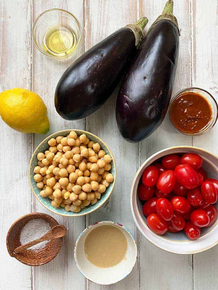 Ingredients to make eggplant and chickpea stew